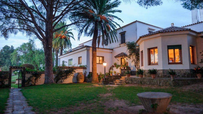 La familia Domecq vende por 20 millones de euros su mítica finca Los Alburejos