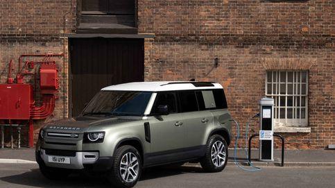 Land Rover electrifica su todoterreno de referencia