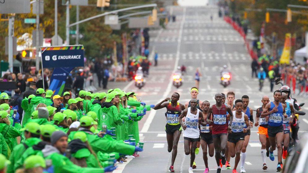Foto: Imagen del grupo que lideraba la Maratón de Nueva York. (EFE)