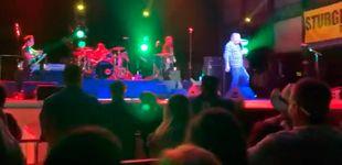 Post de Miles de personas se concentran en un concierto de Smash Mouth a pesar del covid