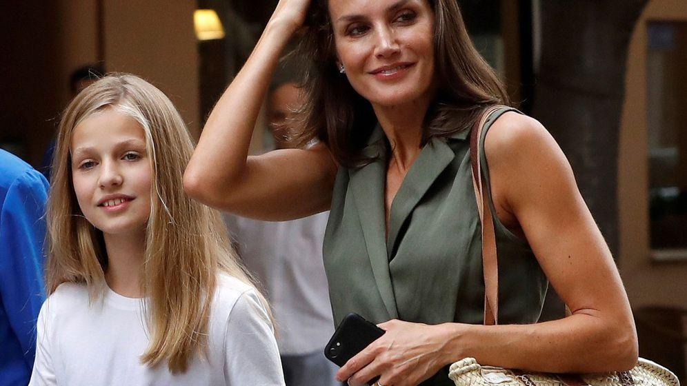 Foto: La reina Letizia y la princesa Leonor. (Efe)