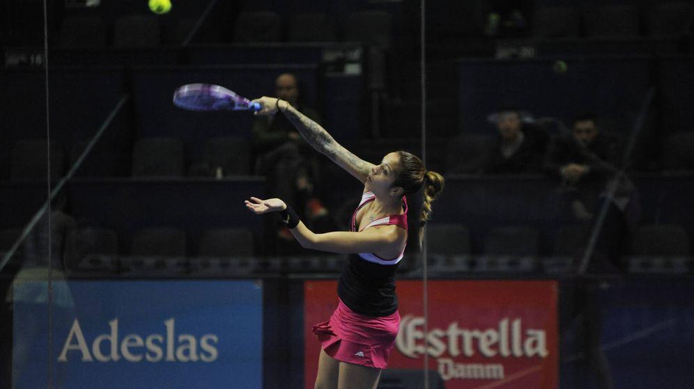 Foto: Alba Galán durante su primer partido en el Estrella Damm Master Final (Foto: World Padel Tour)