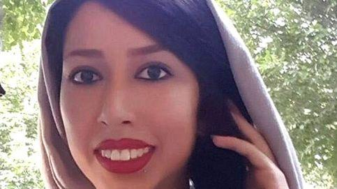Condenada a 24 años por salir a la calle sin velo en Irán: la acusan de prostitución