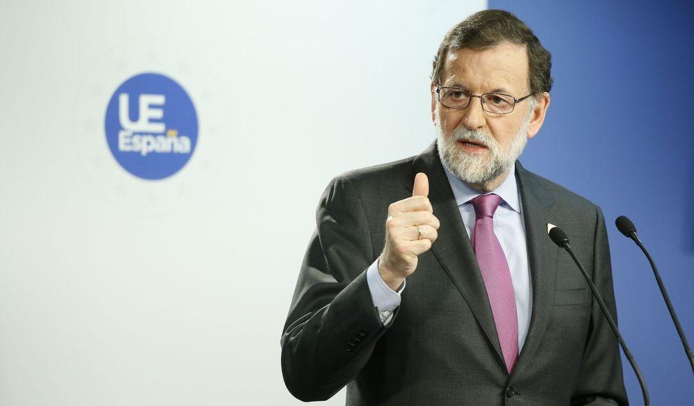 Foto: Rajoy agradece a los trabajadores su contribución a la recuperación. (EFE)
