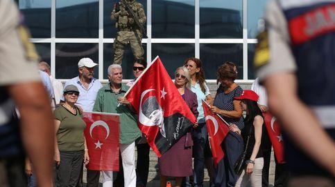 La fiscalía turca pide liberar a la periodista alemana Tolu