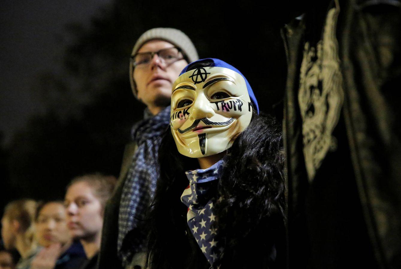 Foto: Manifestantes durante una protesta contra el presidente Trump tras su victoria electoral, en Manhattan, Nueva York (Reuters).