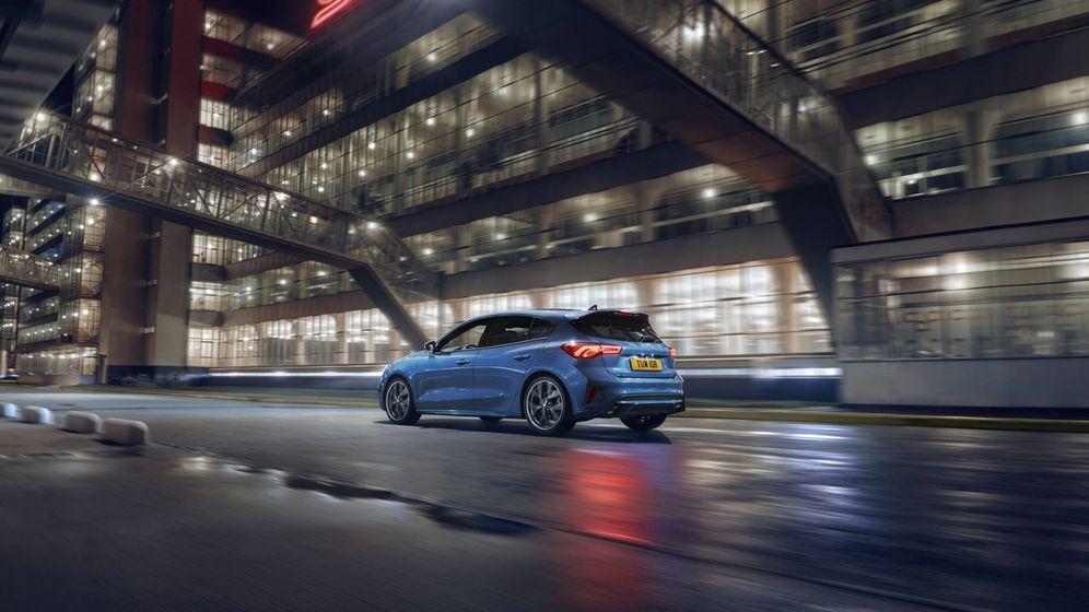 Foto: Estética con detalles exclusivos, como las llantas o las pinzas de freno en color rojo, características del nuevo Focus ST.