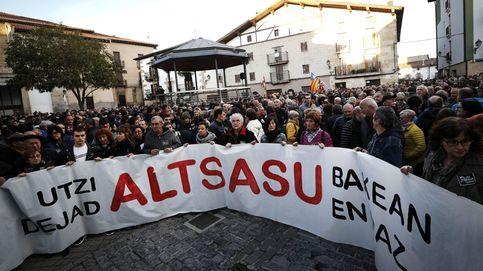 Tensión en Alsasua entre el acto de España Ciudadano y la manifestación de rechazo