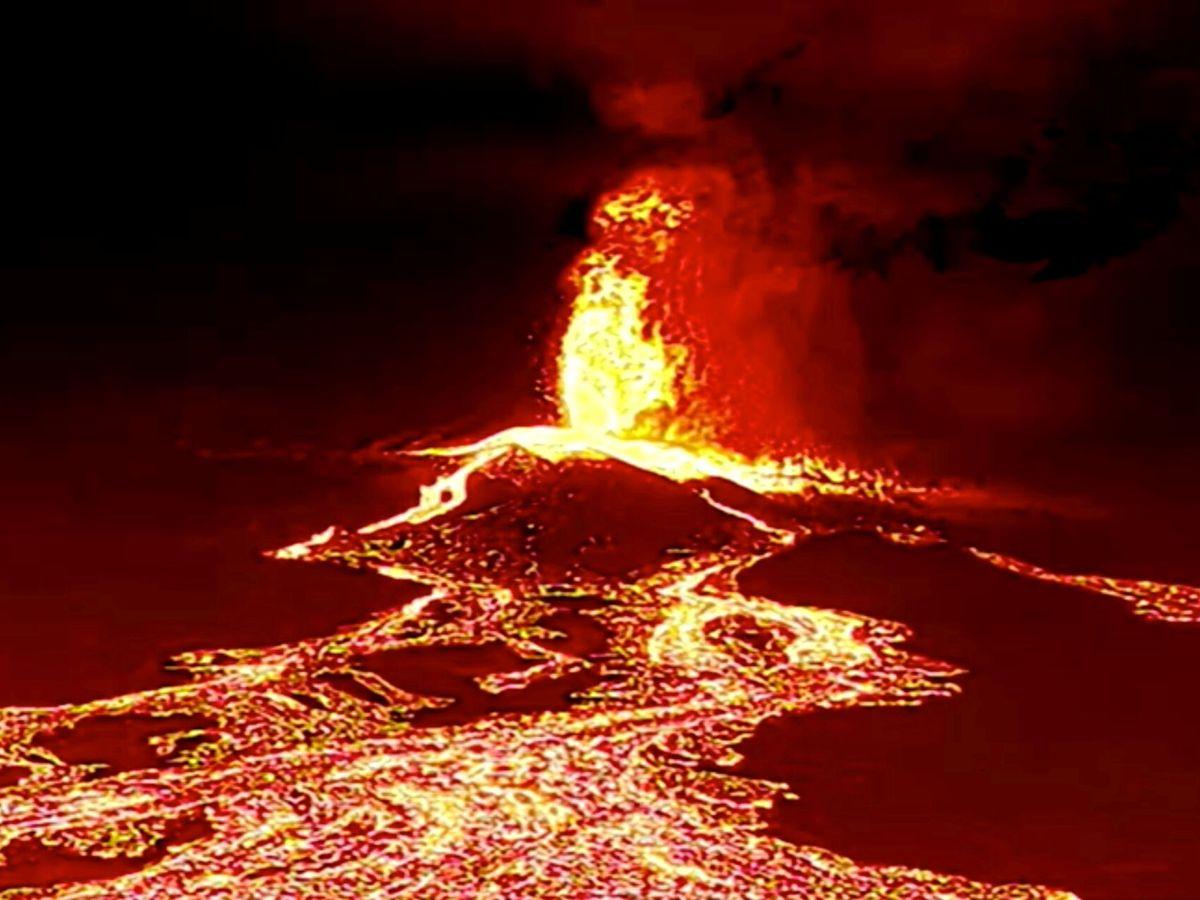 Foto: Imagen del volcán en La Palma. (Reuters)