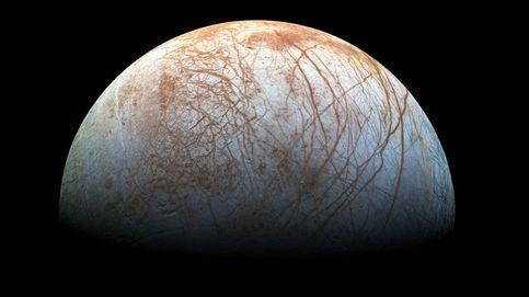 Europa, la luna de Júpiter que podría brillar en la oscuridad