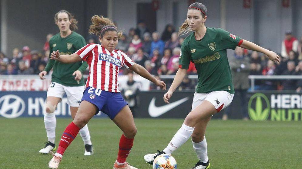 Foto: Damaris Egurrola, en un partido del Athletic contra el Atlético de Madrid. (EFE)