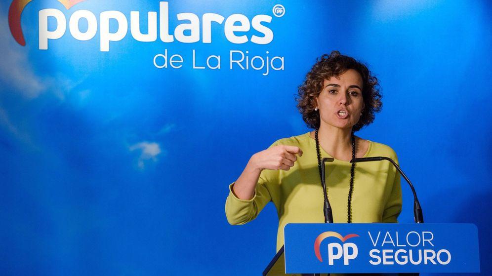 Foto: La candidata número uno popular al Parlamento Europeo, Dolors Montserrat, en un acto en Logroño (Efe)