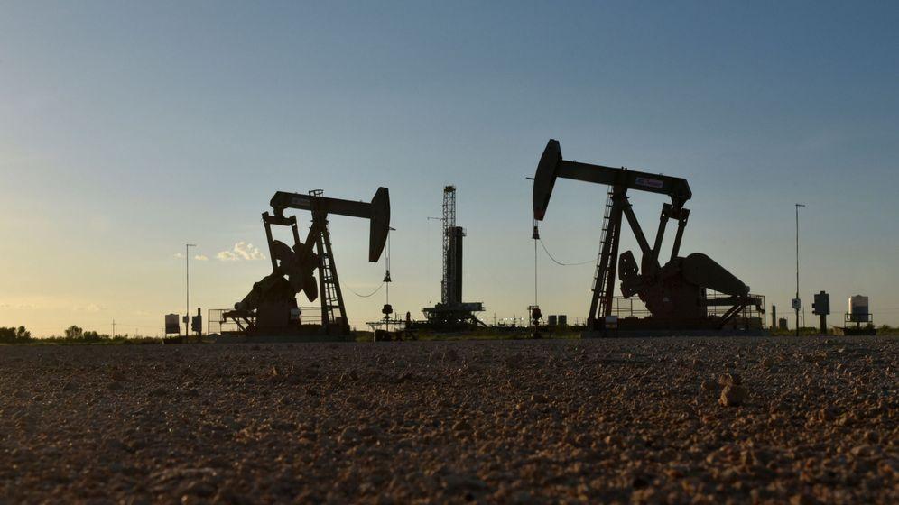 Foto: Una planta de explotación petrolera. (Reuters)