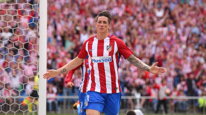 Fernando Torres festeja su último gol en el Calderón (Foto: EFE).