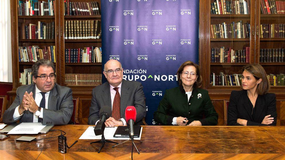 Foto: Javier Fernández Arribas, Javier Ojeda, Elsa González y Carlota Pérez Aguilar, durante la presentación del premio.