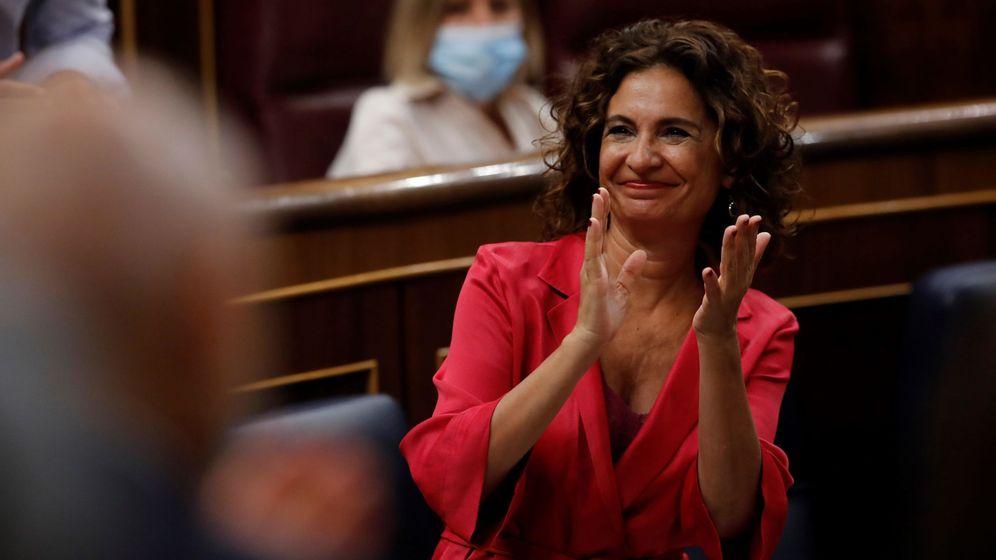 Foto: La ministra de Hacienda y portavoz del Gobierno, María Jesús Montero, durante un pleno del Congreso. (EFE)