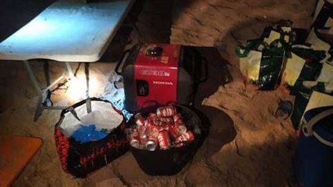 Desmantelan una fiesta ilegal de más de cien personas en una playa de Cádiz