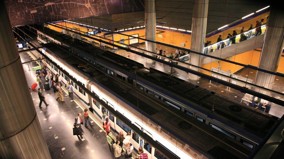Foto: Trenes en la estación de Metro de Aeropuerto T1, T2 y T3. (Metro Madrid)