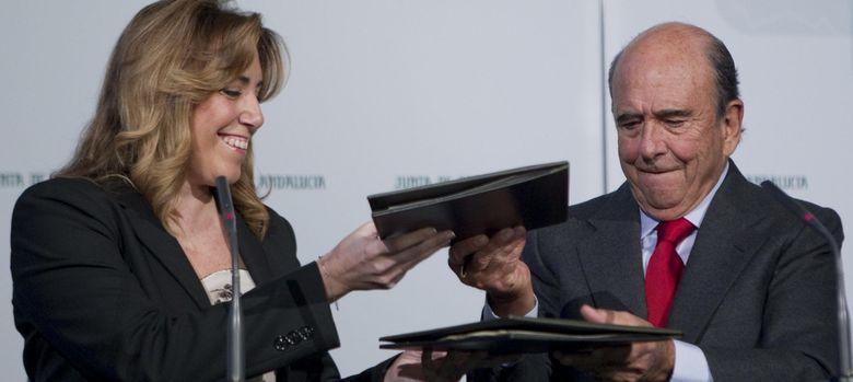 Foto: La presidenta de la Junta, Susana Díaz, y el presidente del Banco Santander, Emilio Botín. (EFE)