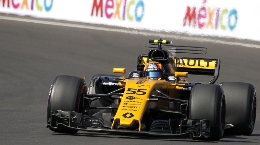 Foto: Carlos Sainz disputó las últimas cuatro carreras de la temporada con Renault, escudería con la que competirá en 2018. (EFE)