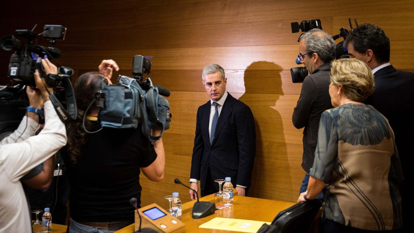 Foto: Ricardo Costa, en una comparecencia en las Cortes Valencianas. (EFE)