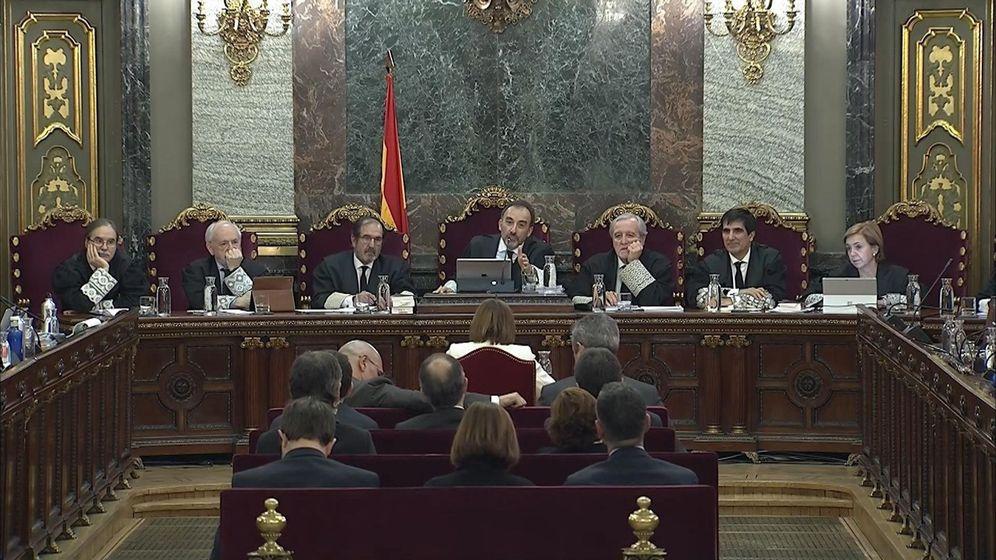 Foto: Imagen de la señal institucional del Tribunal Supremo durante la declaración de la expresidenta del Parlament Carme Forcadell. (EFE)