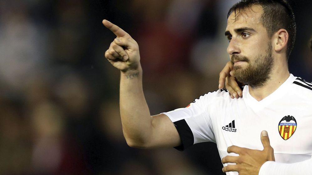 Foto:  Paco Alcácer celebra un gol con el Valencia en Mestalla. (EFE)