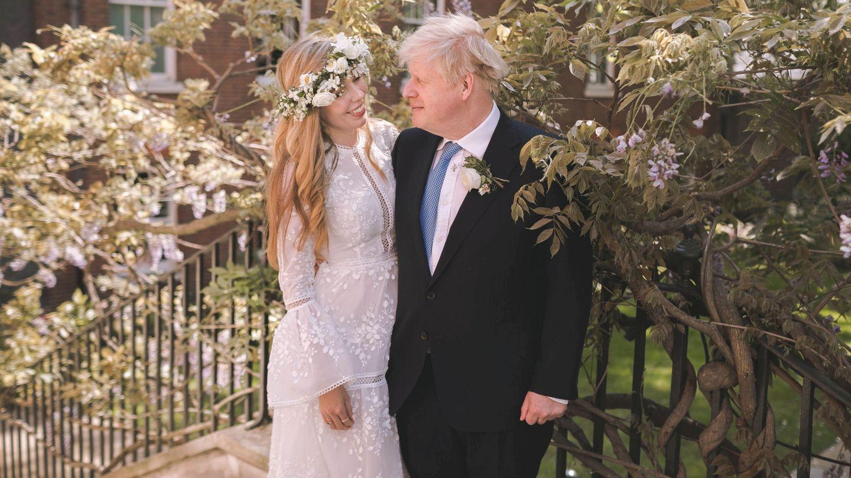 Boris y Carrie Johnson el día de su boda. (Reuters)