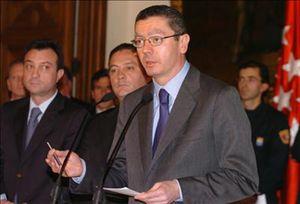 Gallardón dice que la oponión del PP sobre el matrimonio homosexual ya la ha fijado Rajoy