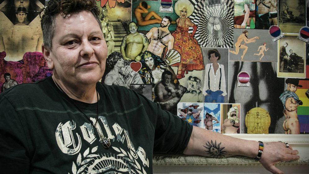 Foto: Mercedes González en un mural de la Fundación 26-D. (Brenda Valverde)