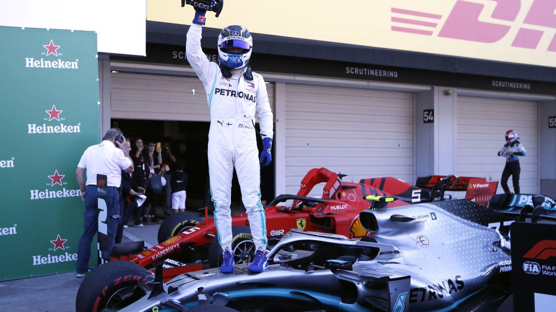Bottas y una pifia de Ferrari dan el mundial a Mercedes en Japón con Carlos Sainz 5º