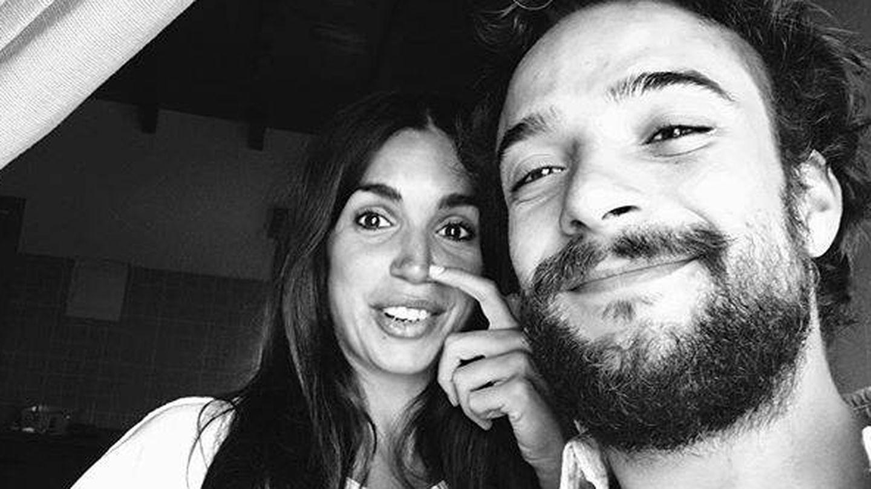 Elena Furiase, con su pareja. (Instagram)