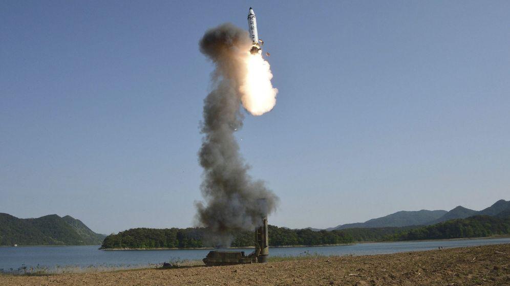 Foto: Vista del lanzamiento de un misil balístico de Corea del Norte el pasado mayo. (EFE)