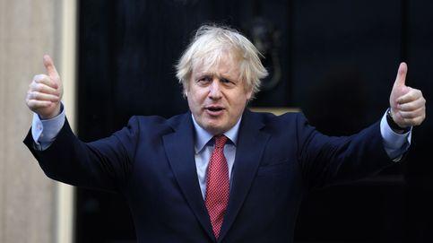 Johnson imita la estrategia de Trump y se enzarza en guerra abierta con la BBC