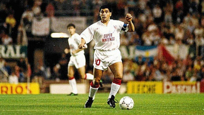 Maradona, durante su etapa en Sevilla (EFE)