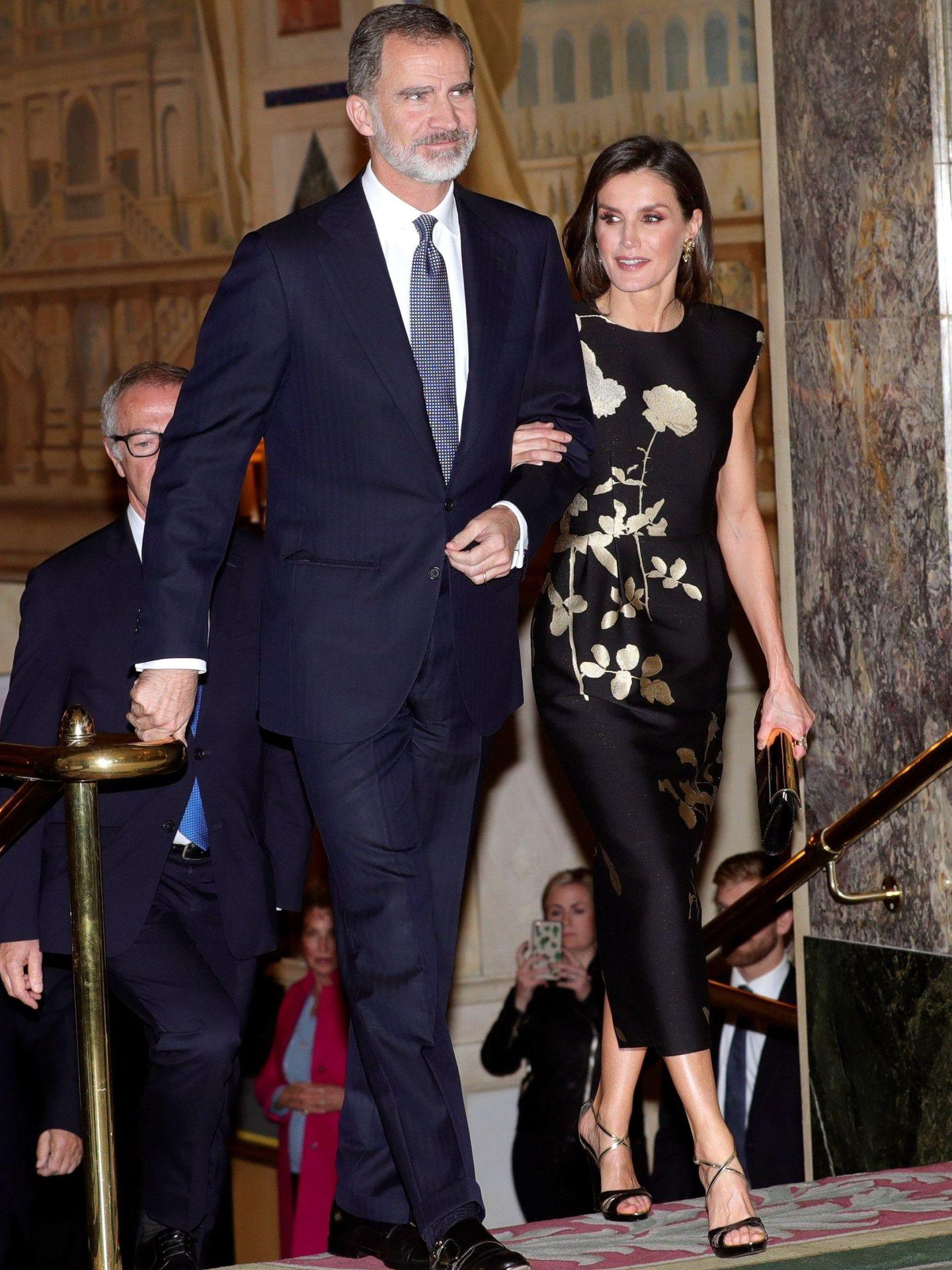 El rey Felipe VI y la reina Letizia, en la ceremonia de entrega del XXXVI Premio de Periodismo 'Francisco Cerecedo'. (EFE)