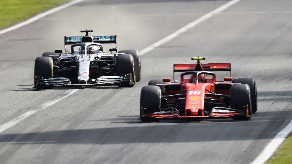 Foto: La tarjeta amarilla estuvo presente en el duelo entre Leclerc y Hamilton en Monza. (Reuters)