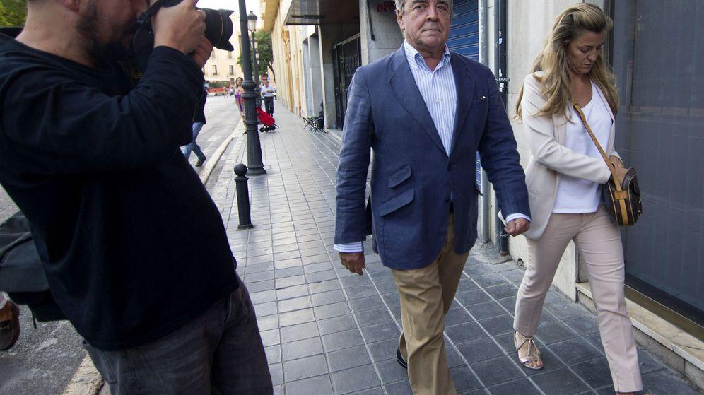 Foto: José Corbín y su hija, Rita Corbín Barberá, también investigada. (EFE)