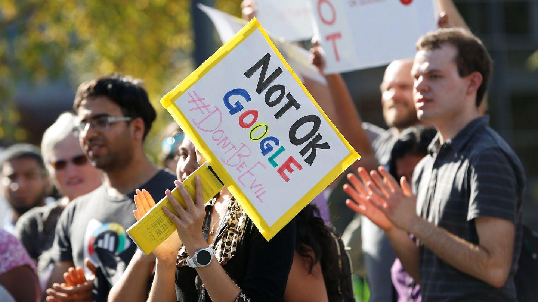 Manifestación de empleados de Google contra políticas de la empresa en la sede de la compañía en Mountain View, en 2018. (Reuters)