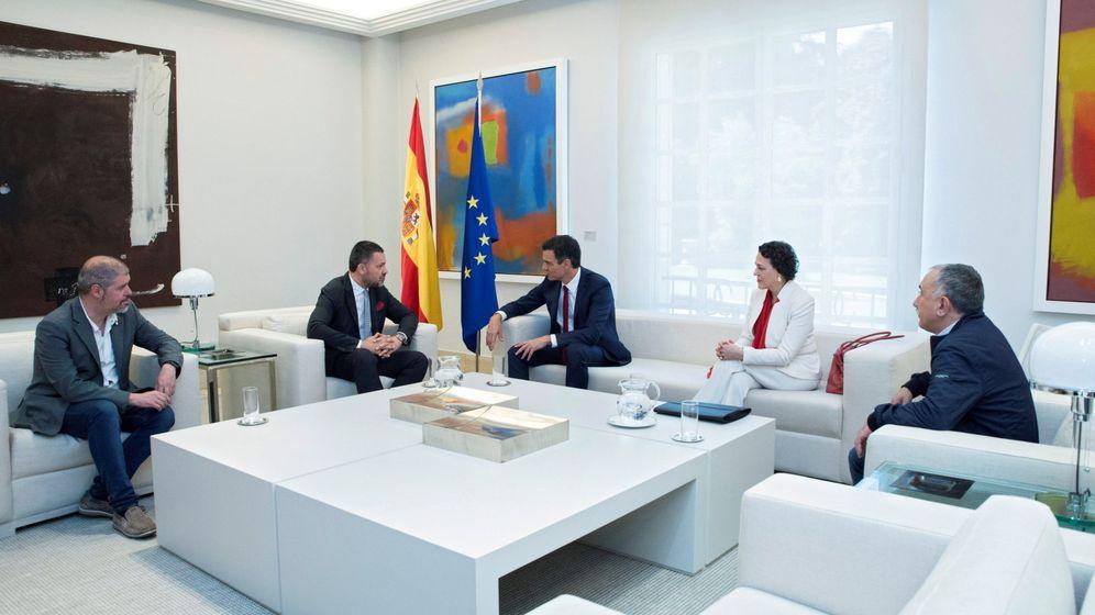 Foto: Pedro Sánchez y Magdalena Valerio, el 25 de julio de 2018, con Unai Sordo (CCOO), Pepe Álvarez (UGT) y el líder de la CES, Luca Visentini. (EFE)