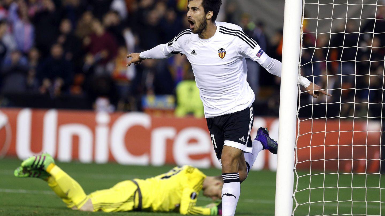 André Gomes rindió con mucha irregularidad en el Valencia. (EFE)
