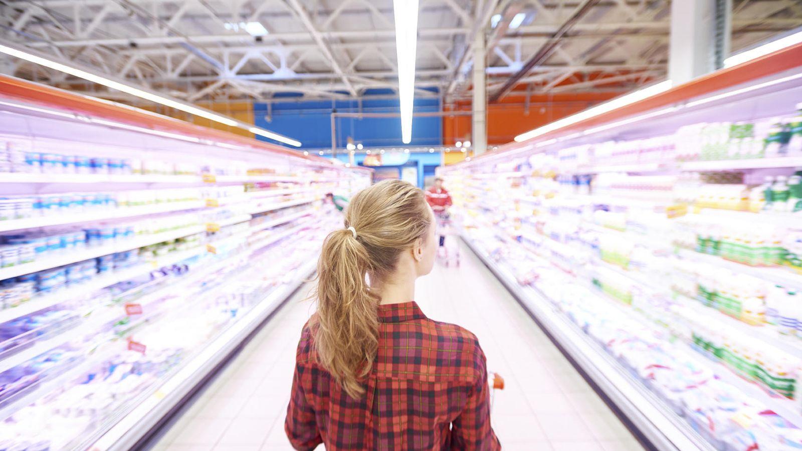 Foto: Una mujer puede pagar más del doble que un hombre por los mismos productos. (iStock)