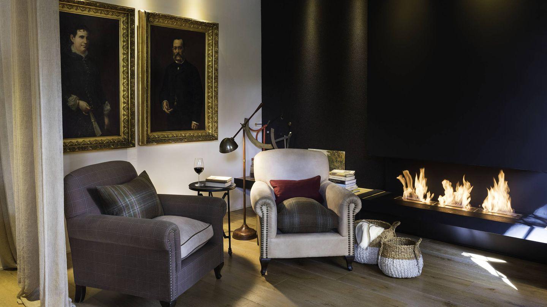 Chimenea en la zona común del hotel Primero Primera, en Barcelona. (Cortesía)