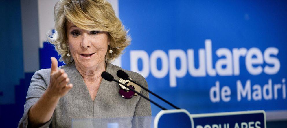 Foto: La presidenta del PP de Madrid, Esperanza Aguirre, durante la rueda de prensa. (EFE)