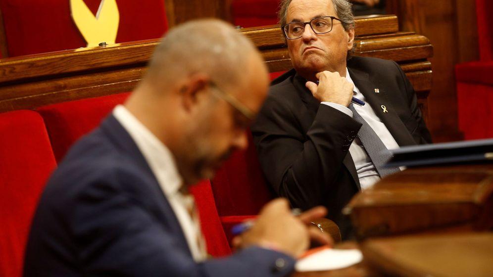 Foto: El presidente de la Generalitat, Quim Torra (d) y el conseller de Interior, Miquel Buch (i). (EFE)
