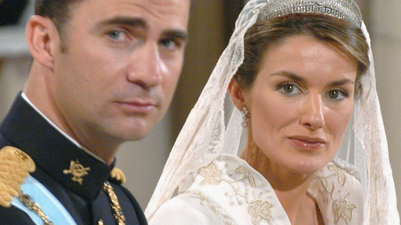 El príncipe Felipe y Letizia, en el día de su boda. (Getty)