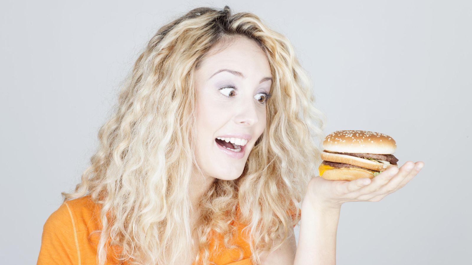 Nutrición  Lo que pasa en tu cuerpo cuando comes una hamburguesa. Y ... 85763874d205