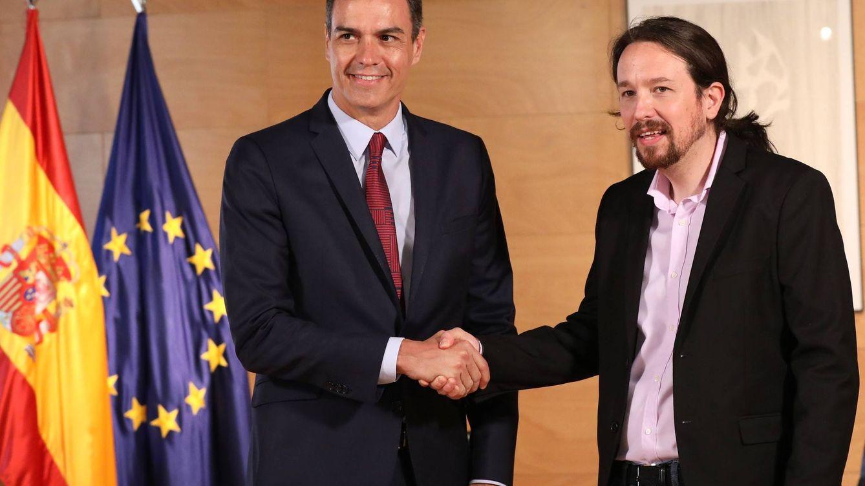 Sánchez e Iglesias ultiman en Moncloa una coalición que plantea tres vicepresidencias