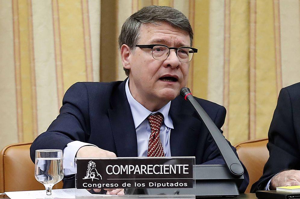 Foto: El exministro socialista Jordi Sevilla, el pasado 24 de enero, en la comisión territorial del Congreso. (EFE)