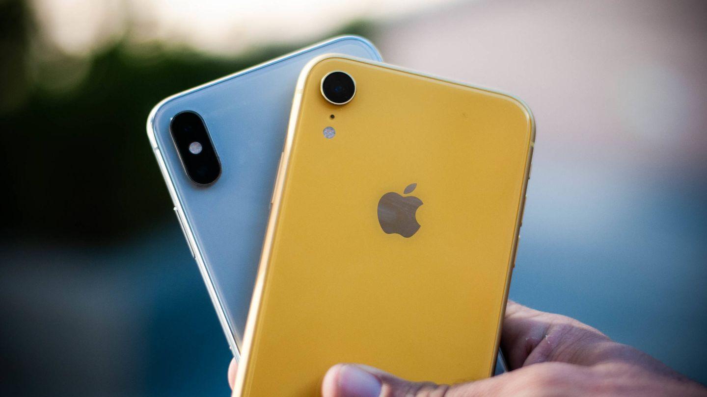 El iPhone Xs Max y el iPhone Xr. (C. Castellón)